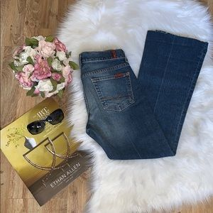 Comfortable 7 for all Mankind bootcut Jeans sz 26